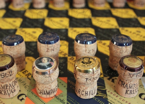 Champagne Chess set2