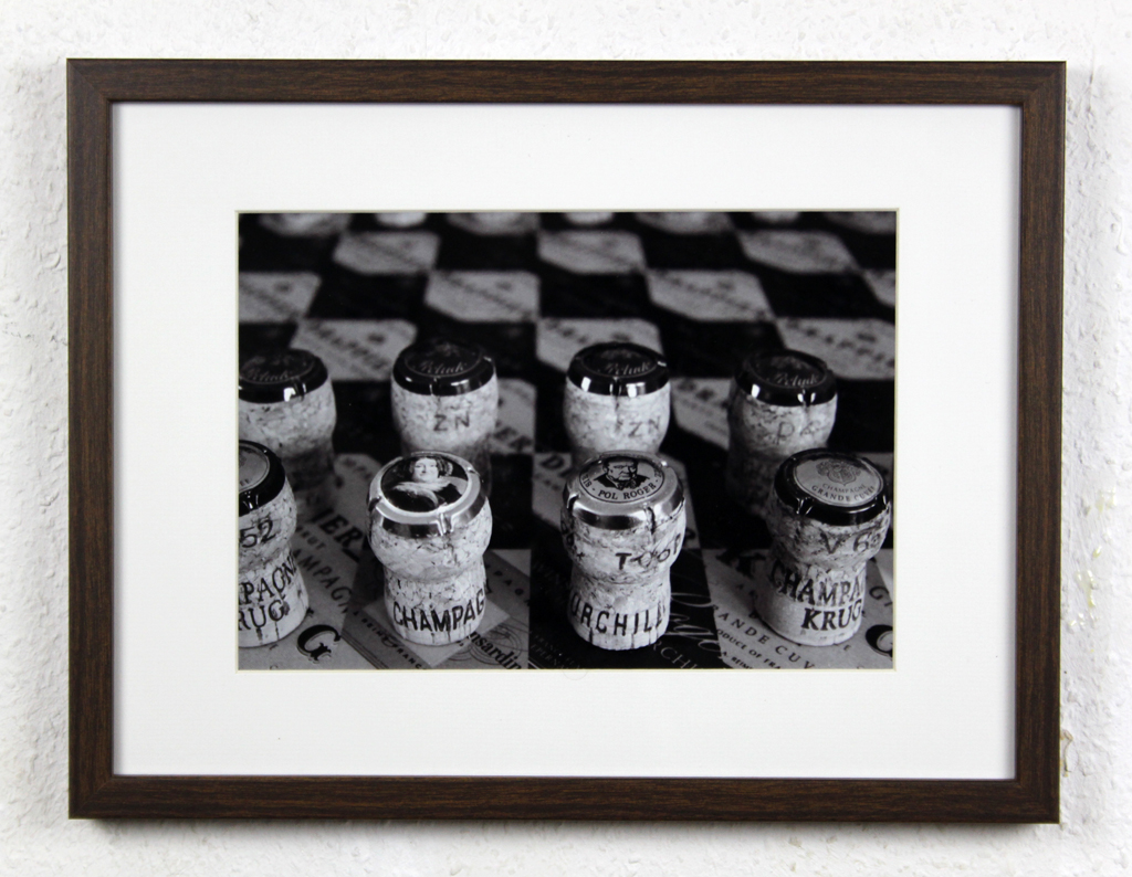 Champagne chess set